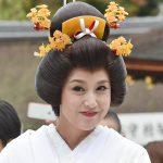 【結婚式】京都にて藤原紀香の白無垢姿に「違うでしょ」の声が…