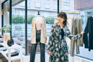 小林麻耶ファッションコーナー